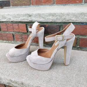 Steve Madden Platform Grey Suede Sandals heels 8.5